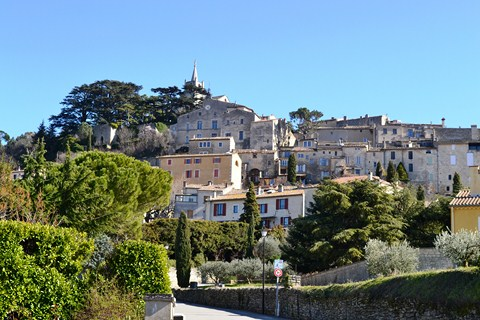 Bonnieux village provence walking holiday southern France